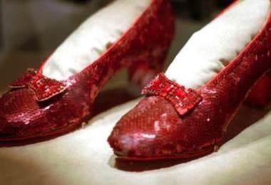"""El FBI recupera los zapatos de """"El Mago de Oz"""" robados hace 13 años"""