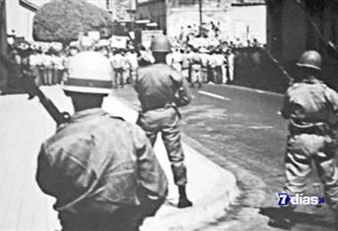 Fue una década de balas, bombas, muerte y dolor. Hoy en archivos 7d repasamos los violentos años que marcaron un antes y  un después en la historia de Nicaragua y en los  cuales Costa Rica tambien sufrió consecuencias.