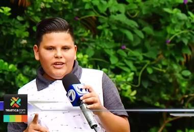 Justin Luna, el niño que cautiva cantando rancheras en el Mercado Central recibió beca de canto