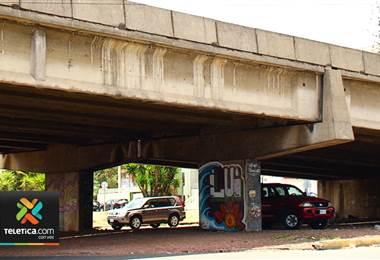 Daño en juntas de expansión deja en evidencia el deterioro que sufre el puente Juan Pablo II