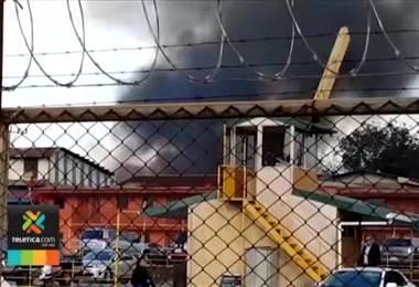 Bomberos atendieron incendio en una vivienda en Calle Blancos
