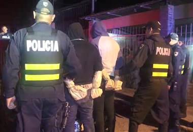 Después de la persecución la policía dio con los sospechosos