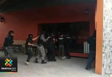 OIJ detuvo a tres hombres y una mujer por ser sospechosos de tráfico internacional de drogas