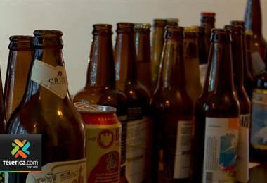 Productores de cerveza artesanal celebran en un festival internacional