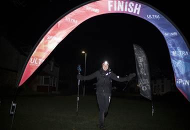 Jasmín París, ganadora de ultramaratón del Reino Unido.|BBC Mundo