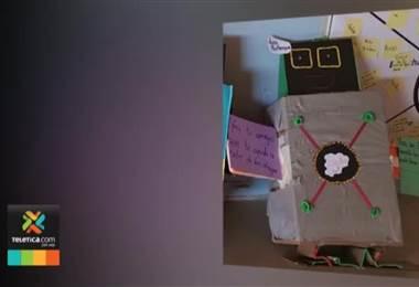 """Niños de La Carpio crearon """"Chatbot"""" para combatir bullying y drogas"""