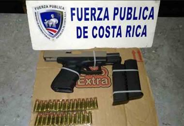 Detienen extranjero y costarricense con $10.000 de dudosa procedencia y arma de fuego