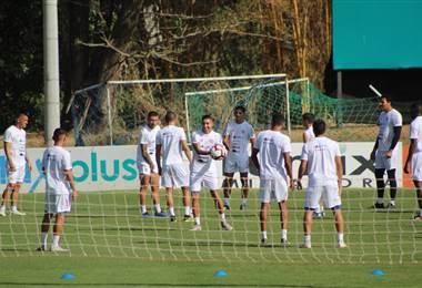 Entrenamiento de la Selección Nacional en el Proyecto Gol.|Fernando Araya