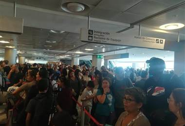 Largas Filas, aeropuerto Juan Santamaría