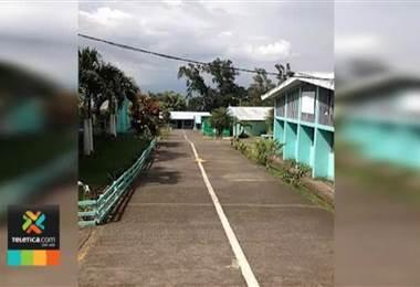 Liceo de Escazú instaló paneles solares en su gimnasio.