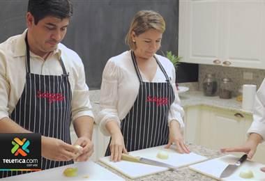 Carlos Alvarado y Claudia Dobles aceptaron una invitación de la revista Sabores para cocinar