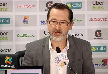 Presidente de Saprissa defiende que ellos no cambian de técnico desde el 2015