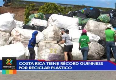 Costa Rica tiene récord mundial Guinness tras recolectar 30 toneladas de botellas plásticas