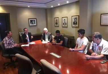 Firma de Suhander Zúñiga y Jonathan Martínez.|Prensa Carmelita