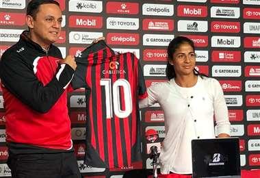 Shirley Cruz fue presentada en Alajuelense | Melissa Alvarado