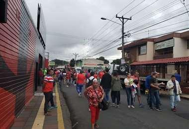 Ambiente previo al juego de La Sele en el Morera Soto | Gabriel Vargas