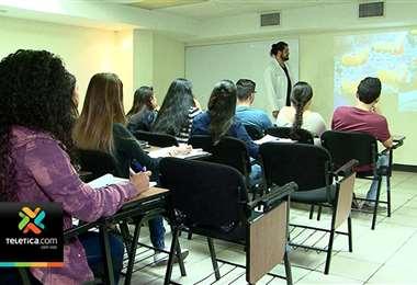 Alumnos de colegios académicos tendrán pruebas de bachillerato del 29 de octubre al 5 de noviembre