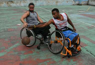 Baloncesto en silla de ruedas en Caracas | AFP