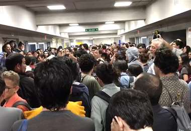 Estudiantes molestos con restricciones al FEES toman edificio de Ciencias Sociales de la UCR