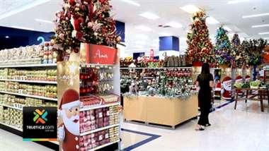 Un año más la Navidad invade las tiendas de San José