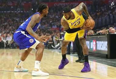 Kawhi Leonard ante LeBron James | Lakers en Twitter