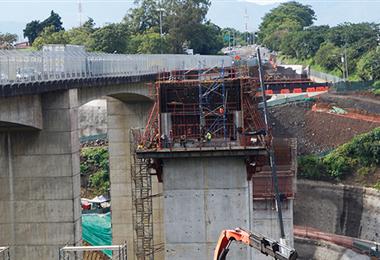 Puente sobre el Virilla. MOPT