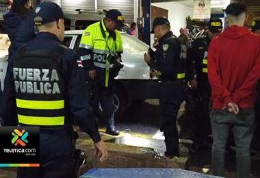 Diferentes autoridades policiales tuvieron que intervenir el sector de los diques en Cartago
