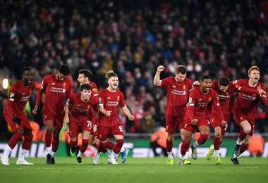 Jugadores del Liverpool celebran en Anfield Road | LFC