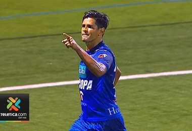 Keylor Soto celebra gol ante el Santos de Guápiles