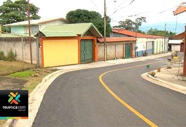 Vecinos de calle Los Mangos de Ciruelas de Alajuela al fin tienen la calle buena
