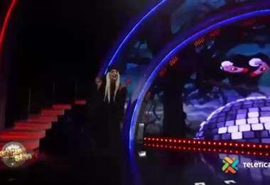 Víctor Carvajal interpretó la bruja de Blancanieves al inicio del Ojo de Dancing