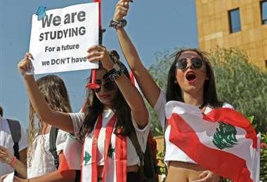 libaneses de fiesta nacional
