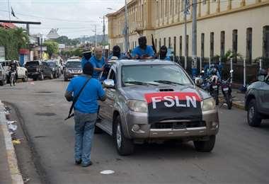 Paramilitares bajo órdenes de Ortega en Masaya. Carlos Herrera | CONFIDENCIAL.