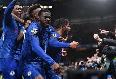 Chelsea festeja a lo grande en su estadio | UEFA.com