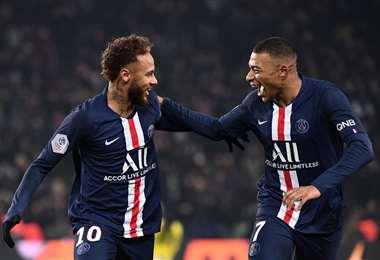Mbappé y Neymar. AFP