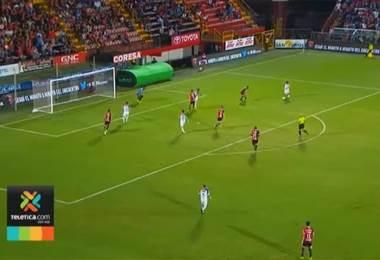 Alajuelense busca ganar su primer partido en el Morera Soto en el presente torneo