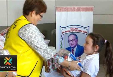 Campaña 'Somos útiles' del Chinamo logra dar paquetes escolares a 200 niños en Cartago