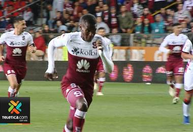 Wálter Centeno no tiene duda de que Rubilio Castillo será el goleador de Saprissa