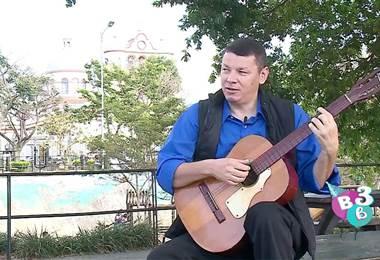 Exdiputado Óscar López ahora hace serenatas