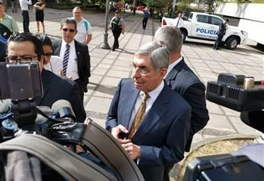 Arias atendió brevemente a los medios tras su indagatoria. Adrián Marín
