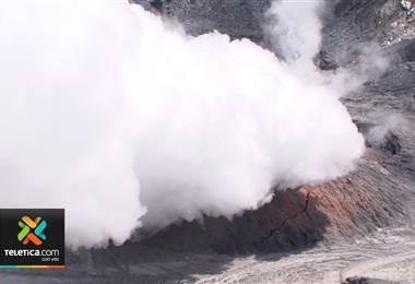 Pacientes con bronquitis crónica y asma de lugares aledaños al volcán Poás deben mantenerse en interiores