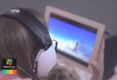 1.100 millones de jóvenes corren el riesgo de perder la audición