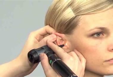 ¿Qué es la cera de los oídos y cómo se produce?