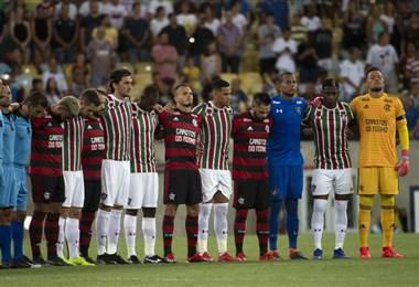 Flamengo y Fluminense le rinde homenaje a las víctimas de incendio. AFP