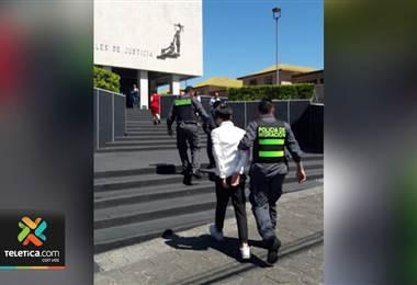 Migración detuvo en el Juan Santamaría a tres ciudadanos chinos con pasaportes falsos