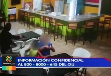 OIJ busca a sospechosos de asalto en soda de Siquirres que apuntaron con arma de fuego a niño
