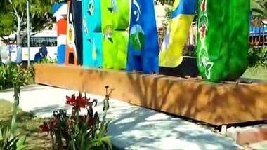 """Haga turismo diferente este fin de semana. Le invitamos a disfrutar de hermosos paisajes, aire puro, y saborear uno de los mejores cafés del mundo. """"Reconecte con la tradición cafetalera que hizo grande a nuestro país. Converse con gente realmente amable y experimente la posibilidad de aprender a catar. Todo eso en Tarrazú y la zona de los Santos."""