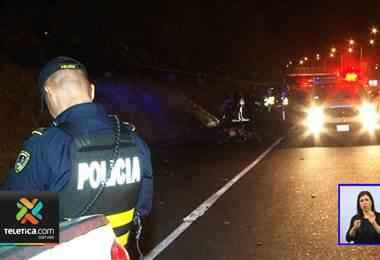 De varios balazos asesinaron a un joven la noche de este jueves a pocos metros del peaje en el cantón de la Unión.