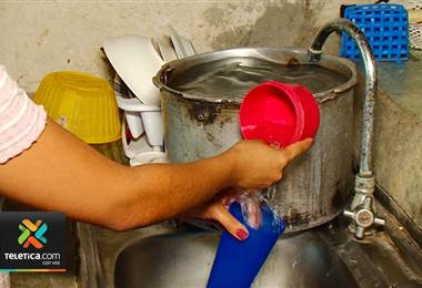 Vecinos de la Carpio consideran que el faltante de agua en la comunidad ya es inaguantable.
