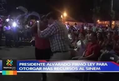 Gran impulso al arte y al deporte marcó la gira del presidente Alvarado por la provincia de Limón